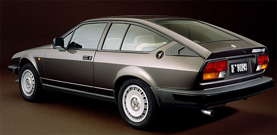 Alfetta GTV6 - www.mitoalfaromeo.it -
